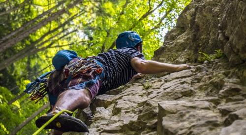 climbing-2609319