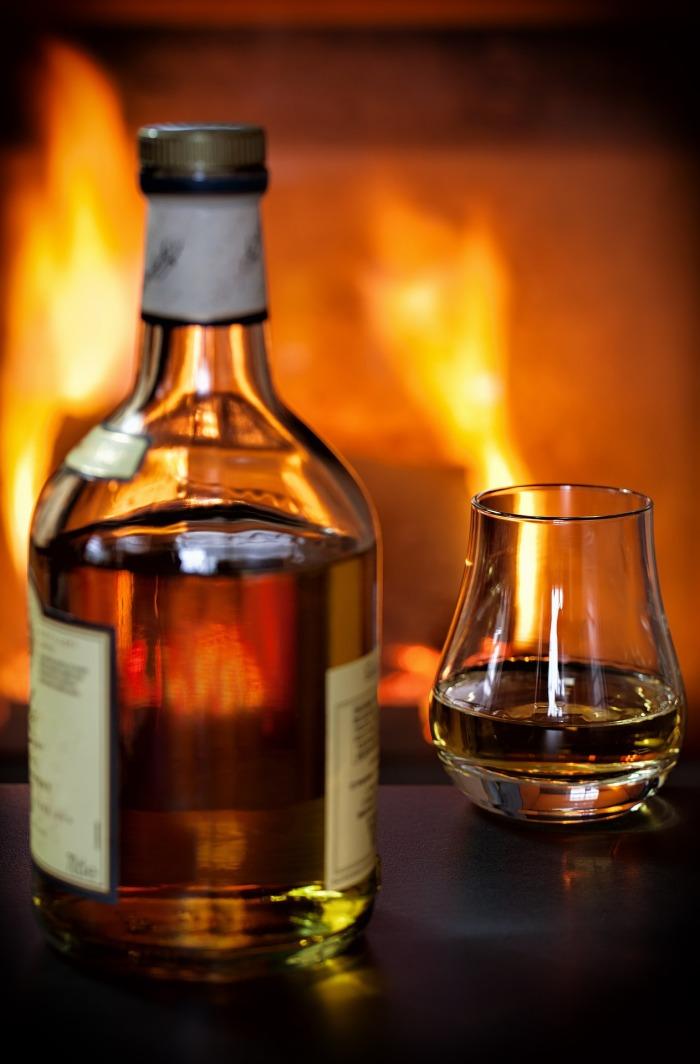 whisky-1872379_1920