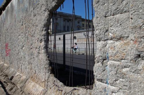wall-3265883_1920