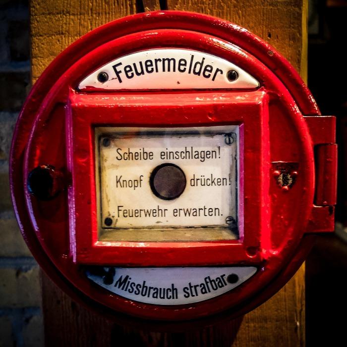 fire-detector-1007981_1920