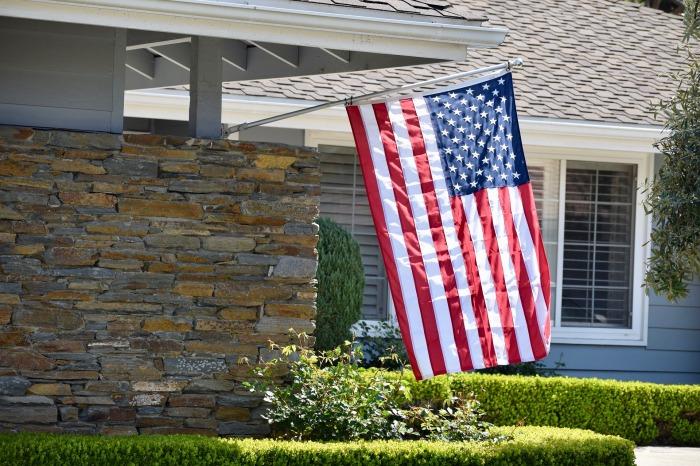 flag-4106350_1920