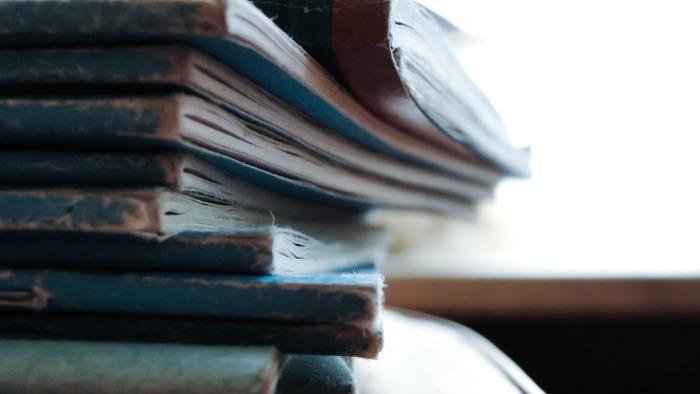 books-1031699_1920