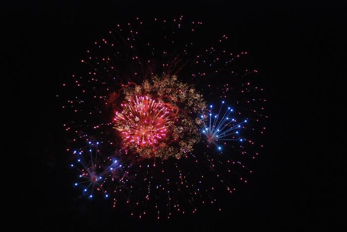 fireworks-5043750_1920